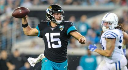 Jacksonville Jaguars quarterback Gardner Minshew II (15) throws a touchdown pass against the Indianapolis Colts on Dec. 29, 2019, in Jacksonville. (TRIBUNE NEWS SERVICE)