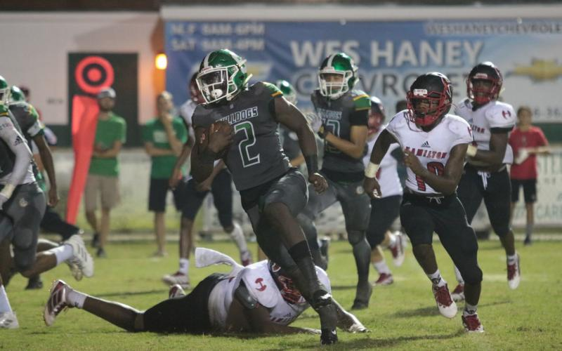 Suwannee running back Jaquez Moore returns a punt for a touchdown against Hamilton County last season. (SUWANNEE DEMOCRAT)